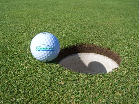 Collision_plus_golf_ball_2